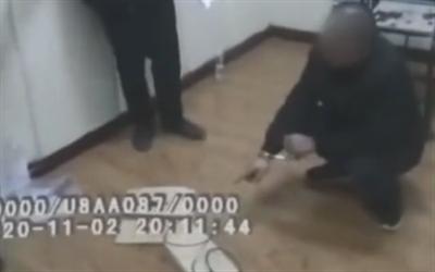 12岁男孩偷手机被父亲暴打身亡 嫌疑人自首被拘