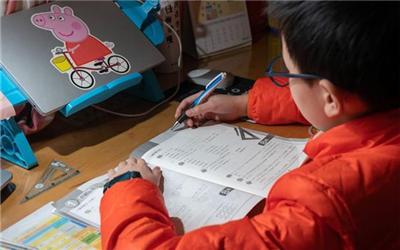 近八成家长不赞同全面取消家庭作业